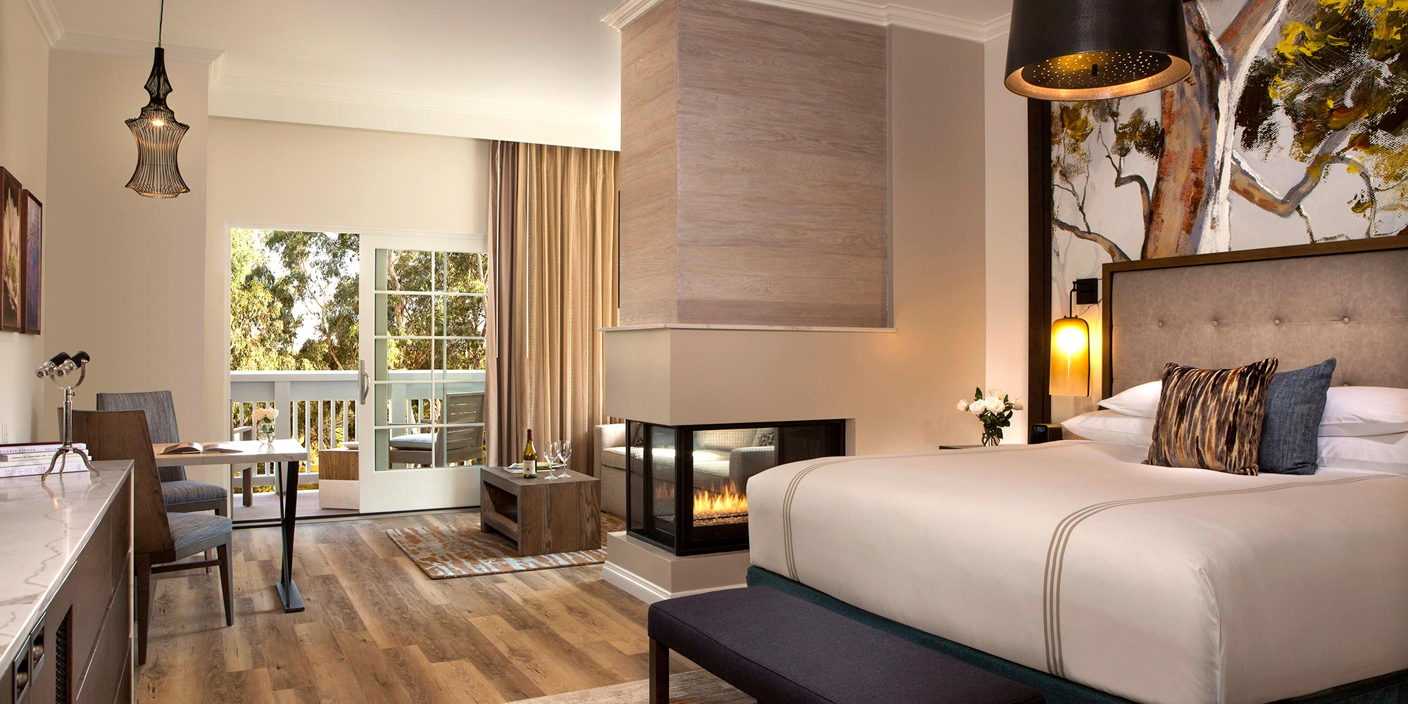 A Guestroom at River Terrace Inn Napa Valley