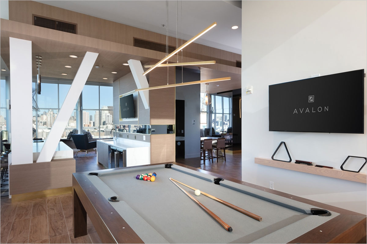 Avalon Mission Bay Pool table and View