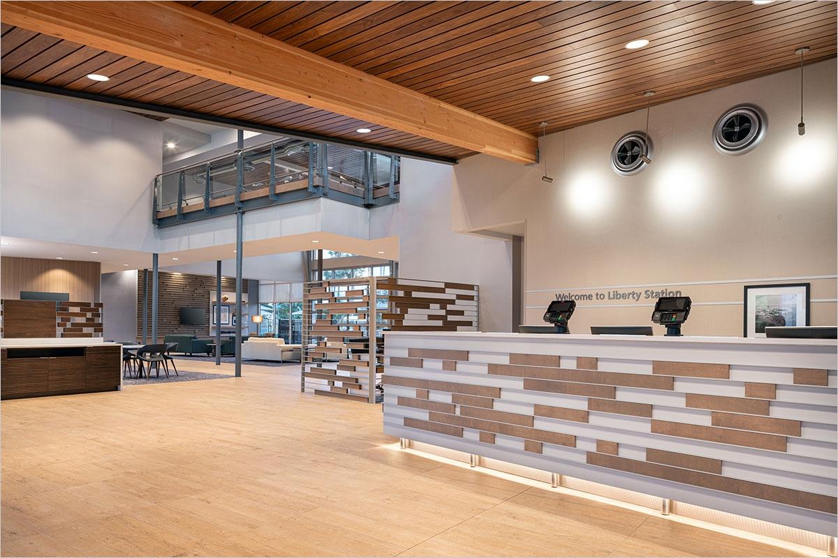 Hampton Inn & Suites Lobby & Frontdesk