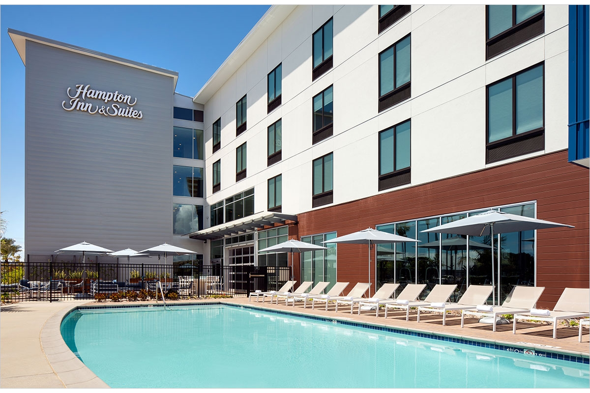 Hampton Inn & Suites Pool Deck